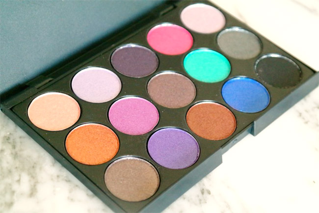 Vivien Kondor eyeshadow palette (koel) 1
