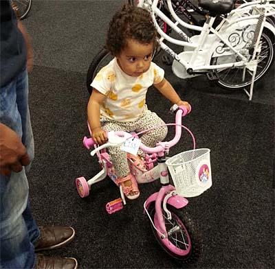 sarah op fiets